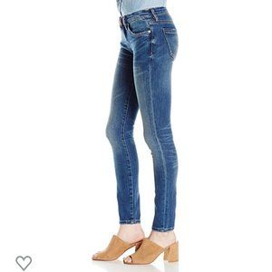 Blank NYC | NWT Skinny Classique Distressed Jeans